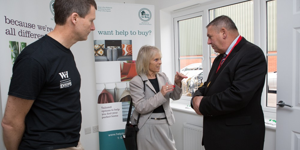 Mayor of Walsall talking to Olwen from Help to Buy Midlands